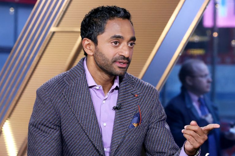Chamath Palihapitiya compares Slack's trajectory to Facebook's