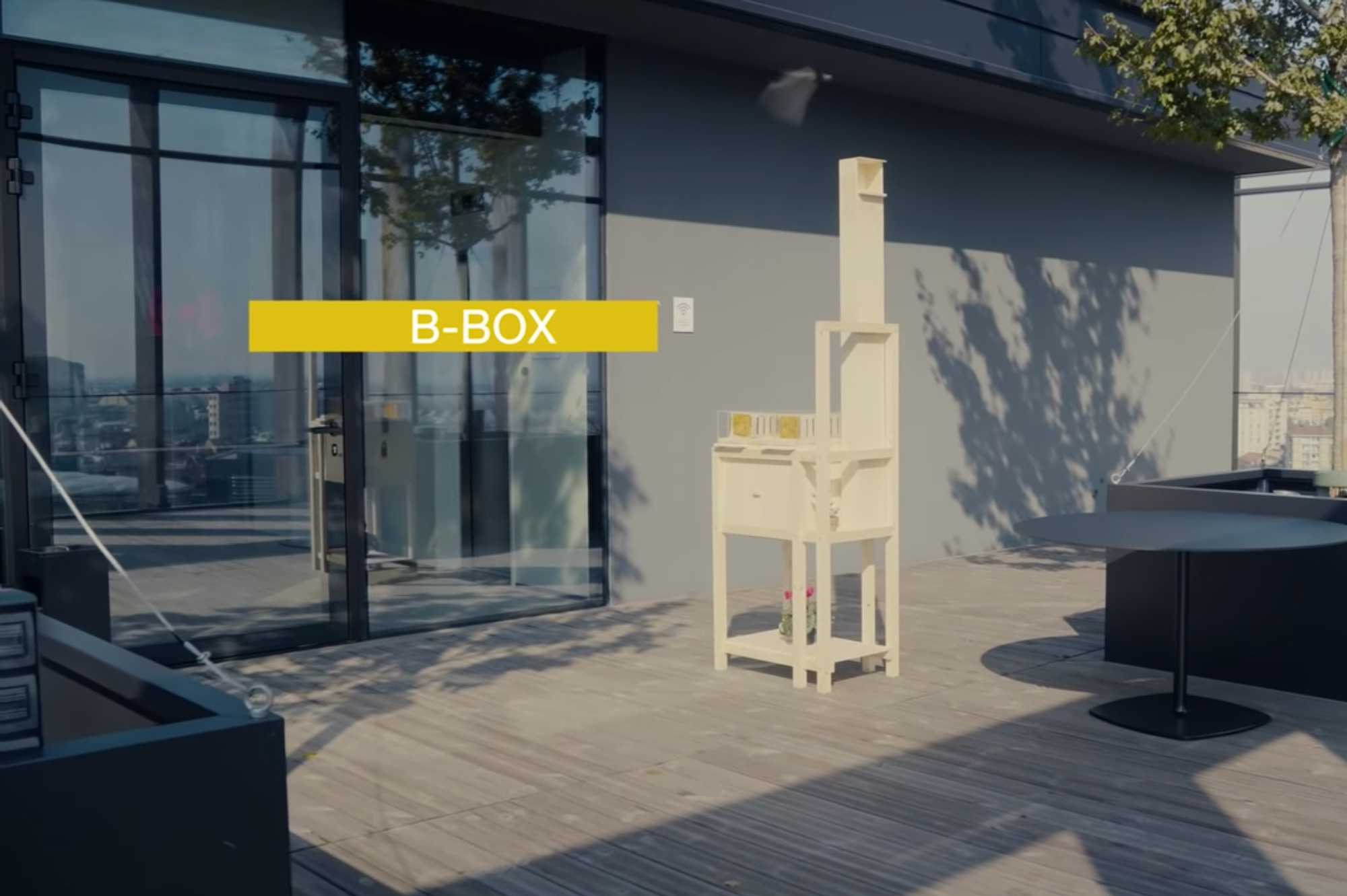 Beekeeping Made Easy With a New Compact Hive Built for Urban Settings