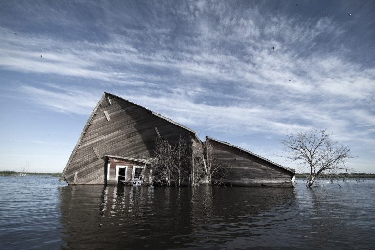 Photographs by Paul Johnson Document a Once-Thriving Farm Community Subsumed by Rising Waters