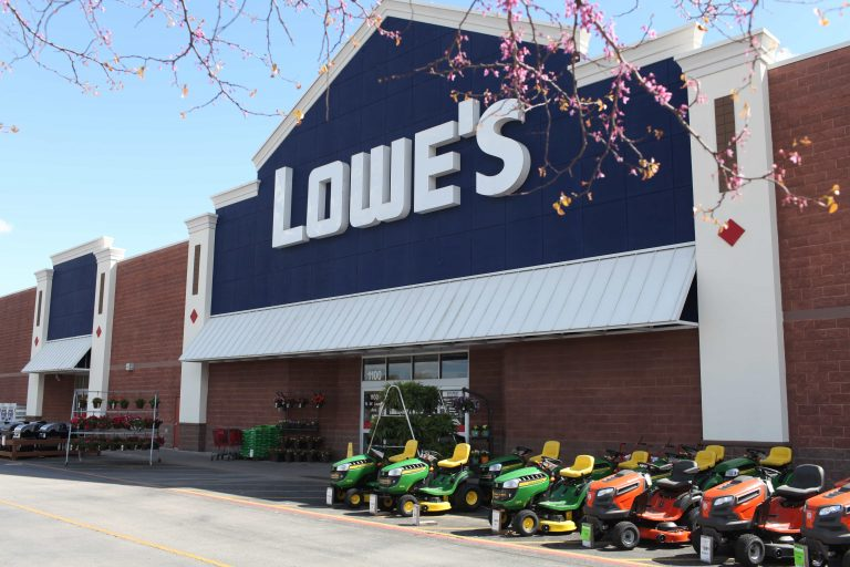 Home-improvement chain cutting thousands of positions
