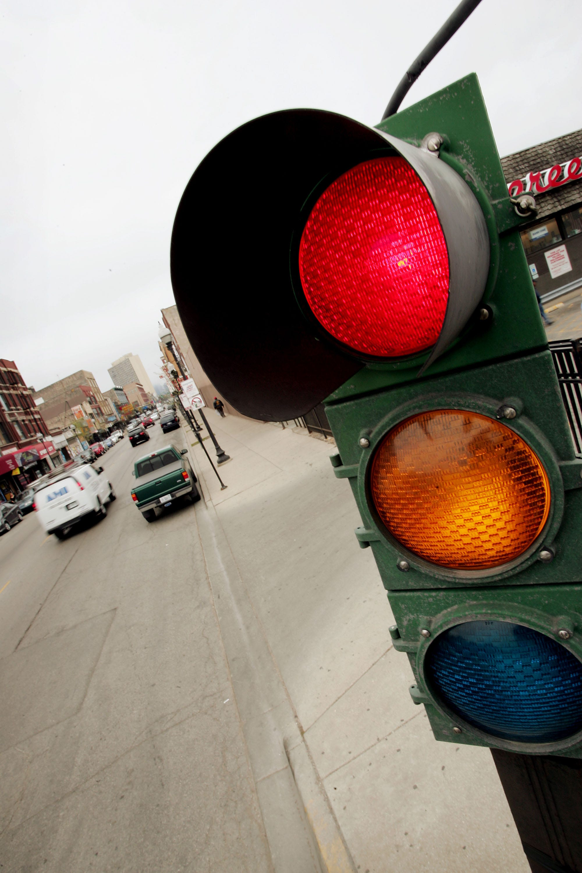 Traffic deaths due to red-light running hit 10-year high, AAA finds