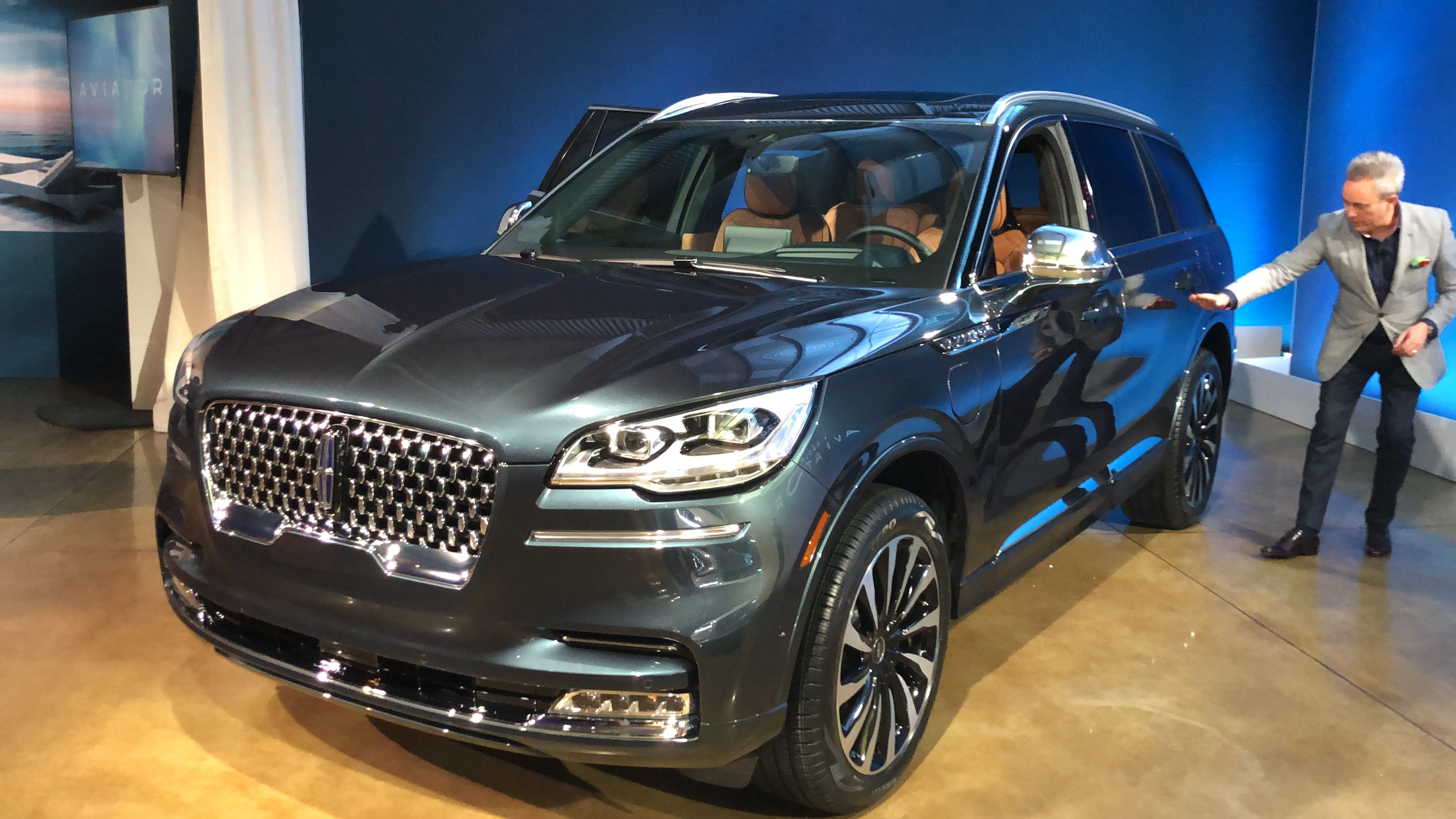 An iPhone all you need to start, drive this SUV