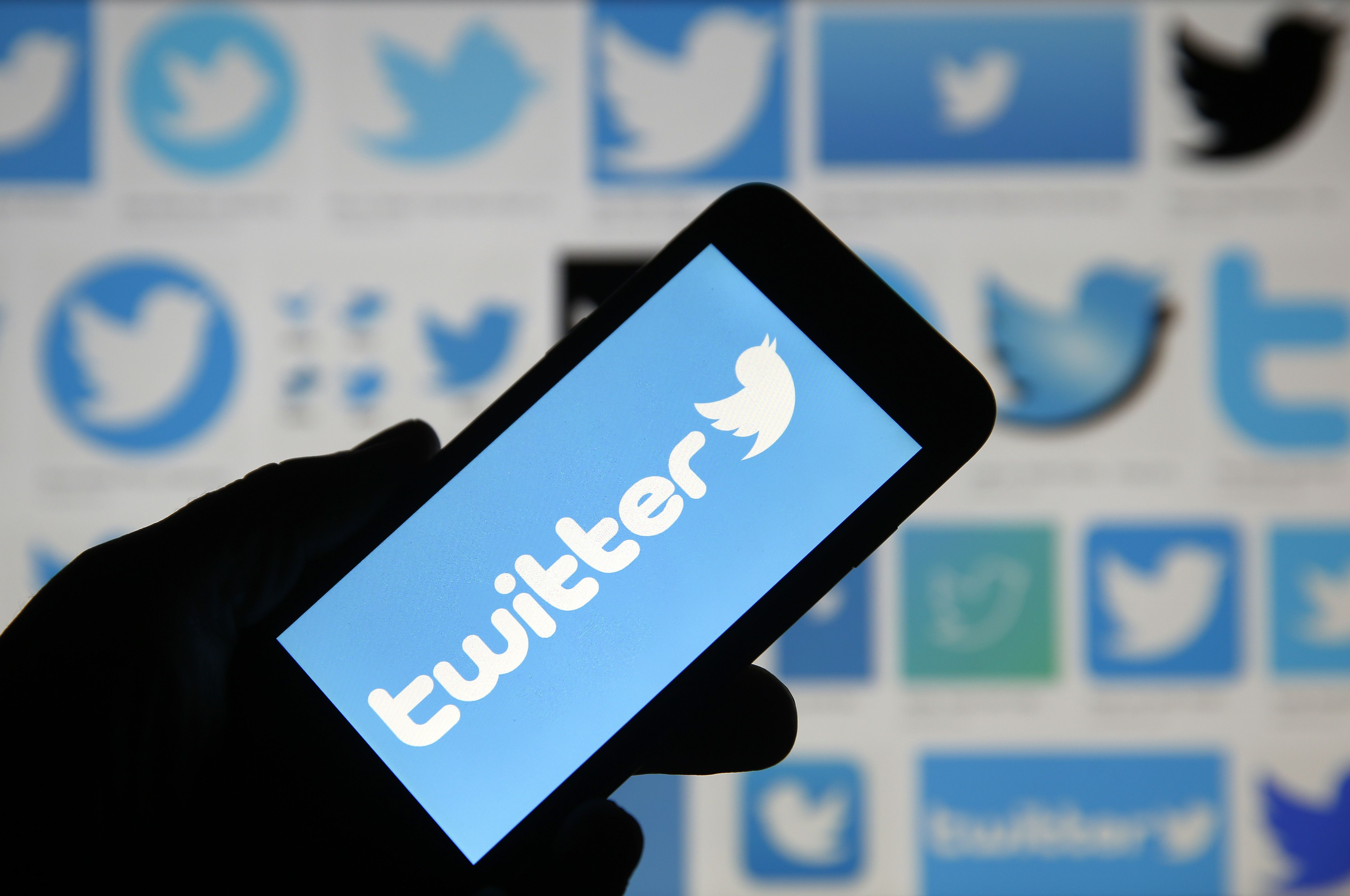 How to use Twitter to get investing tips from Wall Street's wisest