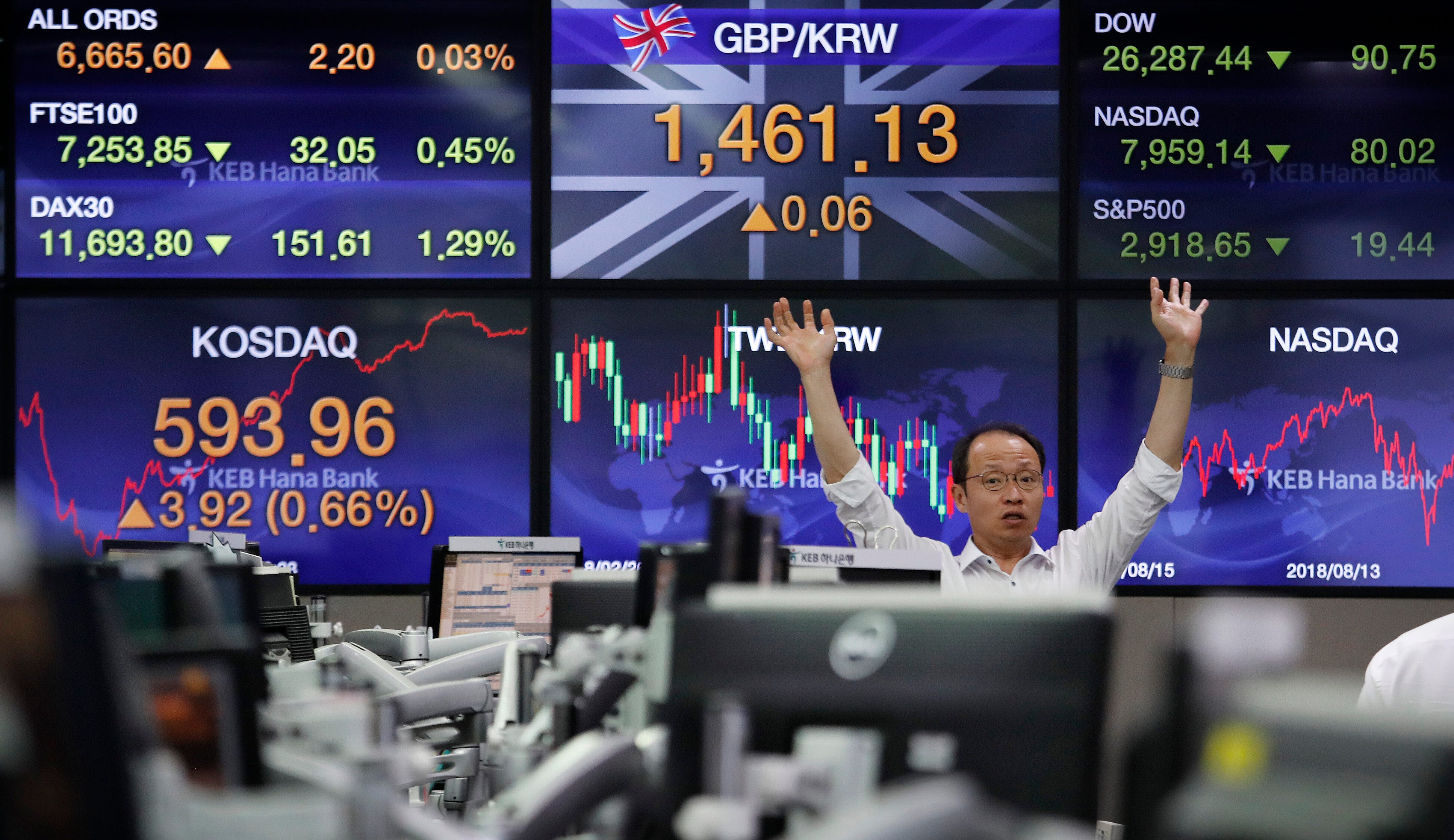 US stocks lower amid US-China trade war fears