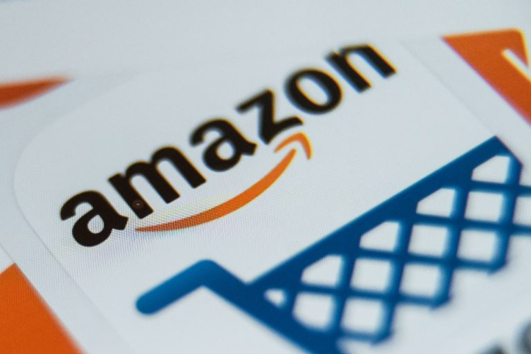 Can you shop online and pay with cash? Amazon says yes