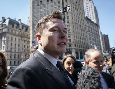 Elon Musk is not the problem at Tesla — blame the people around him