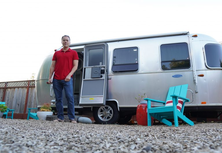 How to create extra room to work from home? An Airstream RV office