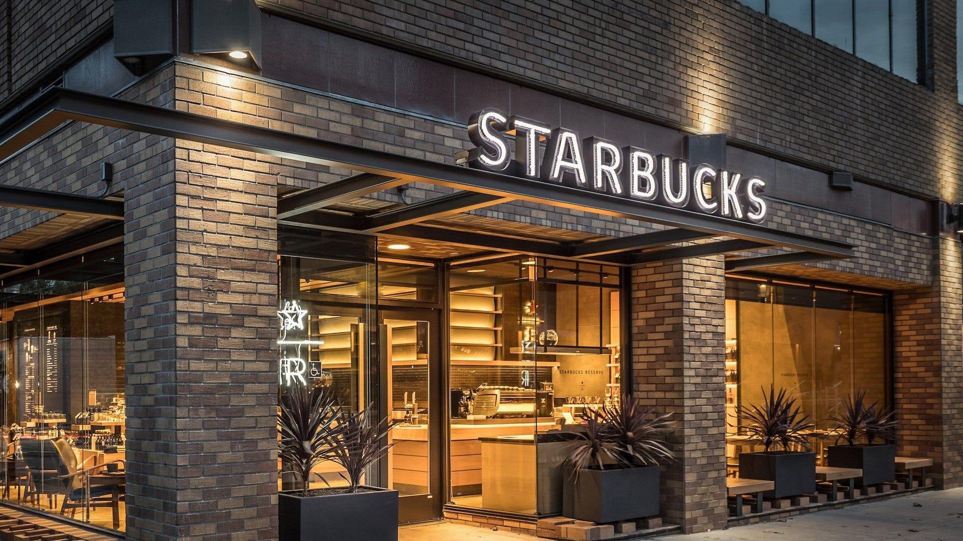 Fourth of July restaurants: Starbucks, McDonald's, Chick-fil-A open