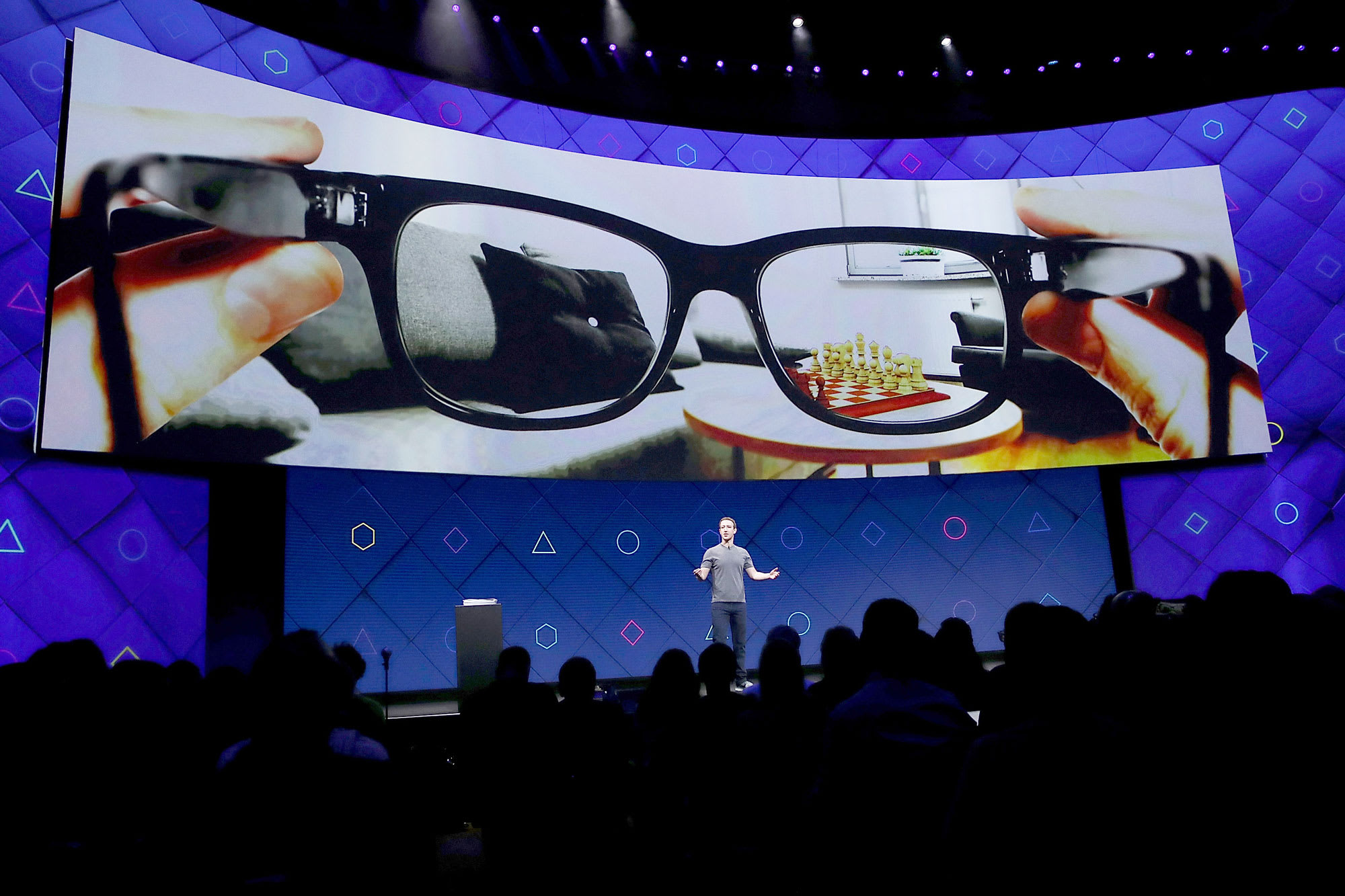 Facebook smart glasses coming in 2021