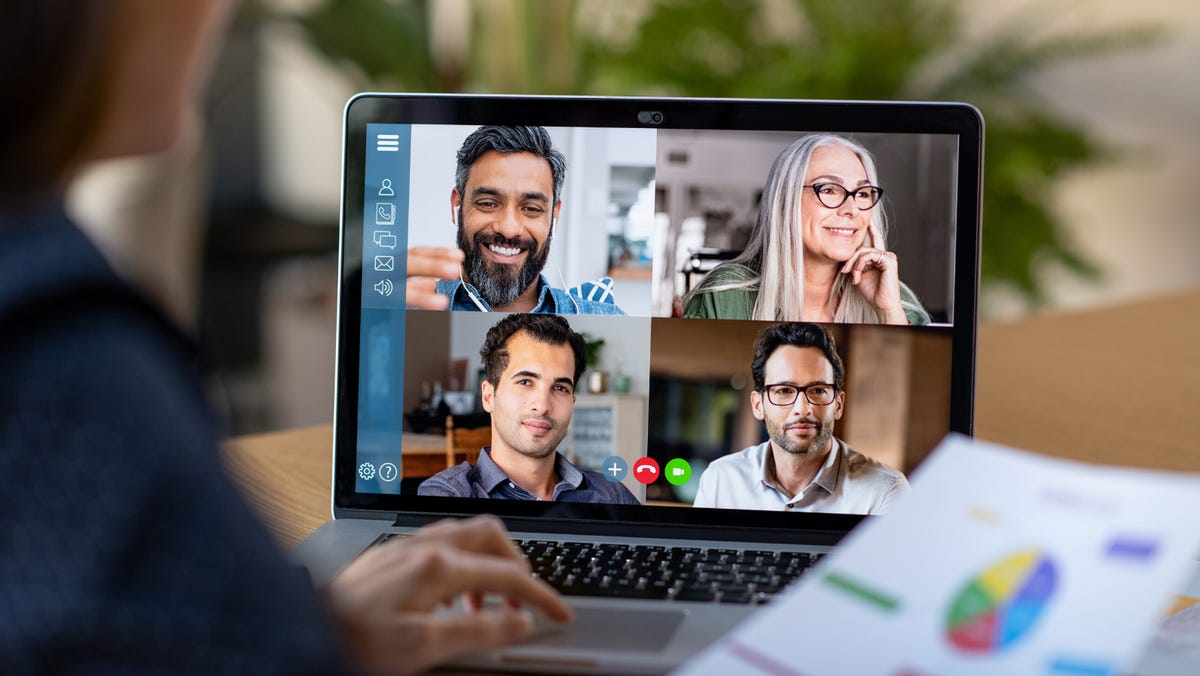 What if Zoom crashes on Thanksgiving? These video meeting choices can save your virtual family gathering