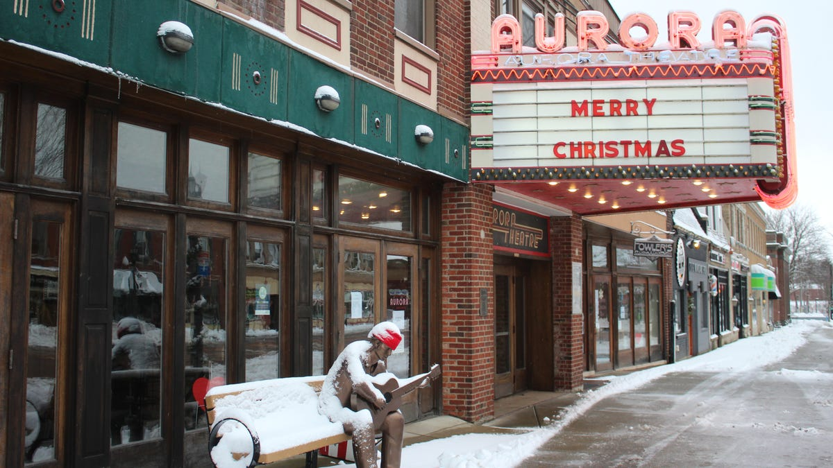 COVID-19 threatens 'the cultural water cooler' of small, independent movie theaters