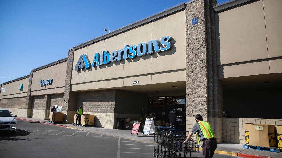 Texas mask mandate: Albertsons reverses decision and will continue to require masks after March 10