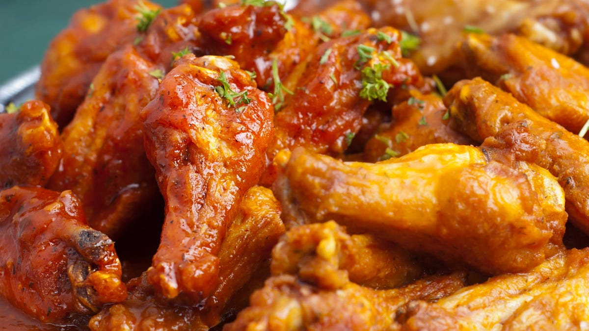 National Chicken Wing Day: Buffalo Wild Wings, 7-Eleven, Hooters, Thighstop have free wings or deals Thursday