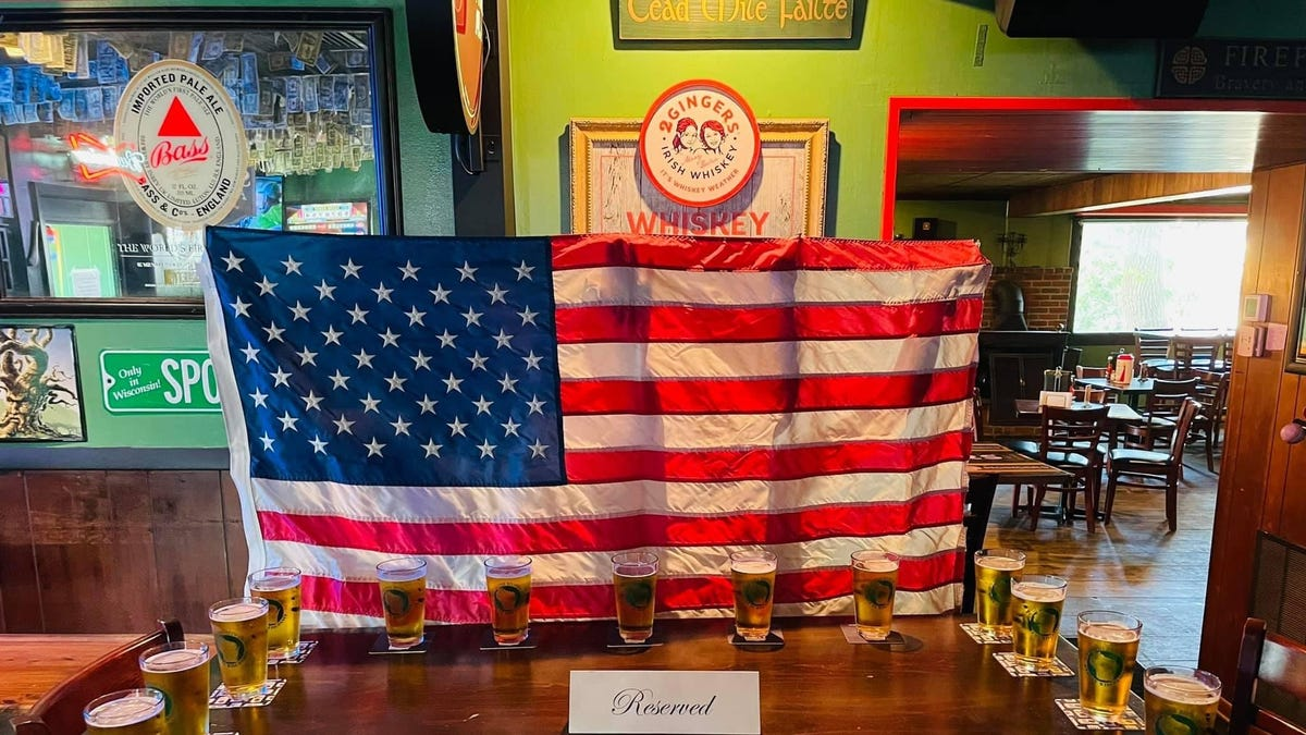 13 beers, an empty table: A quiet but powerful way restaurants honor those killed in Kabul