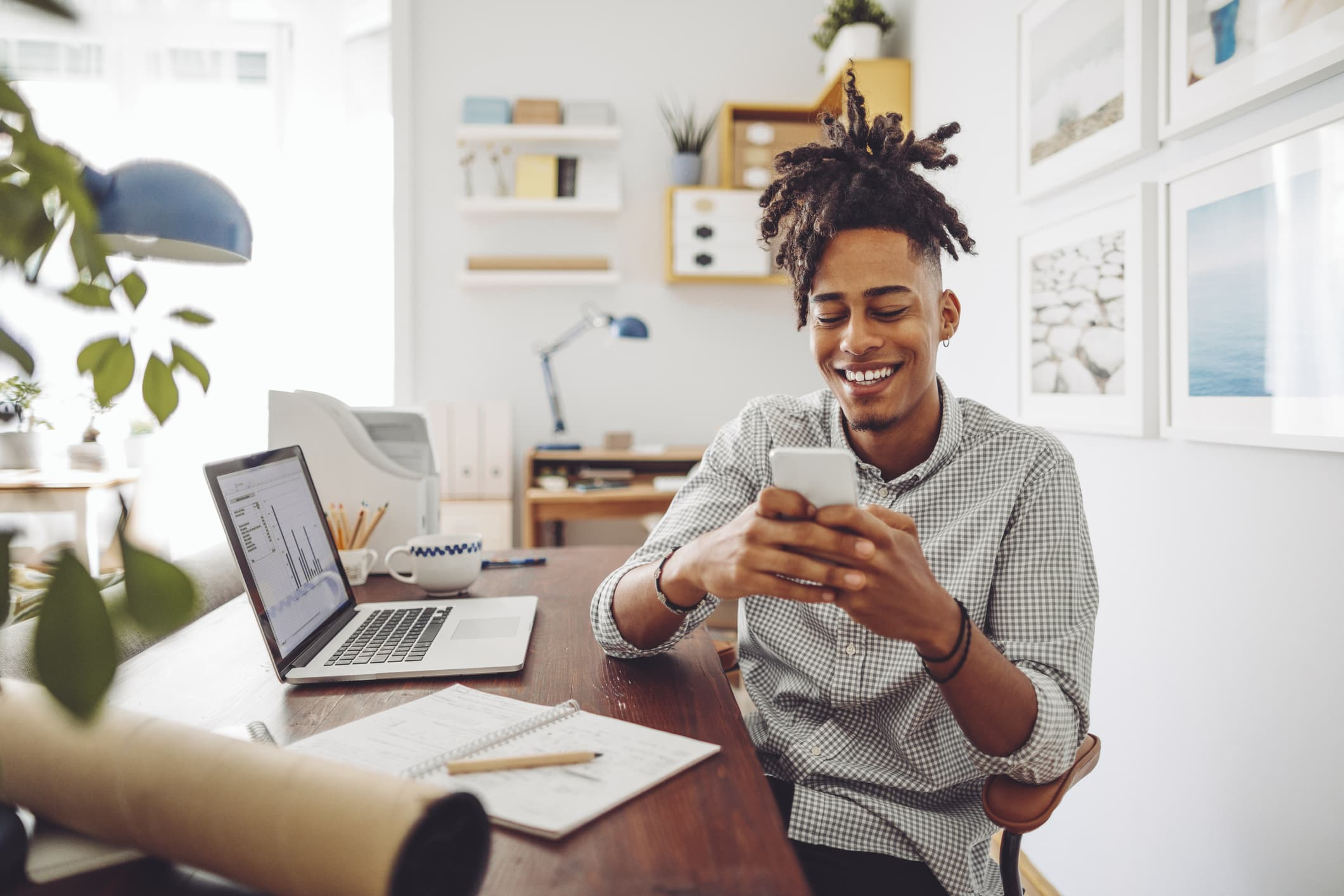 Getting financial advice on social media can be tricky. Here's how to navigate it