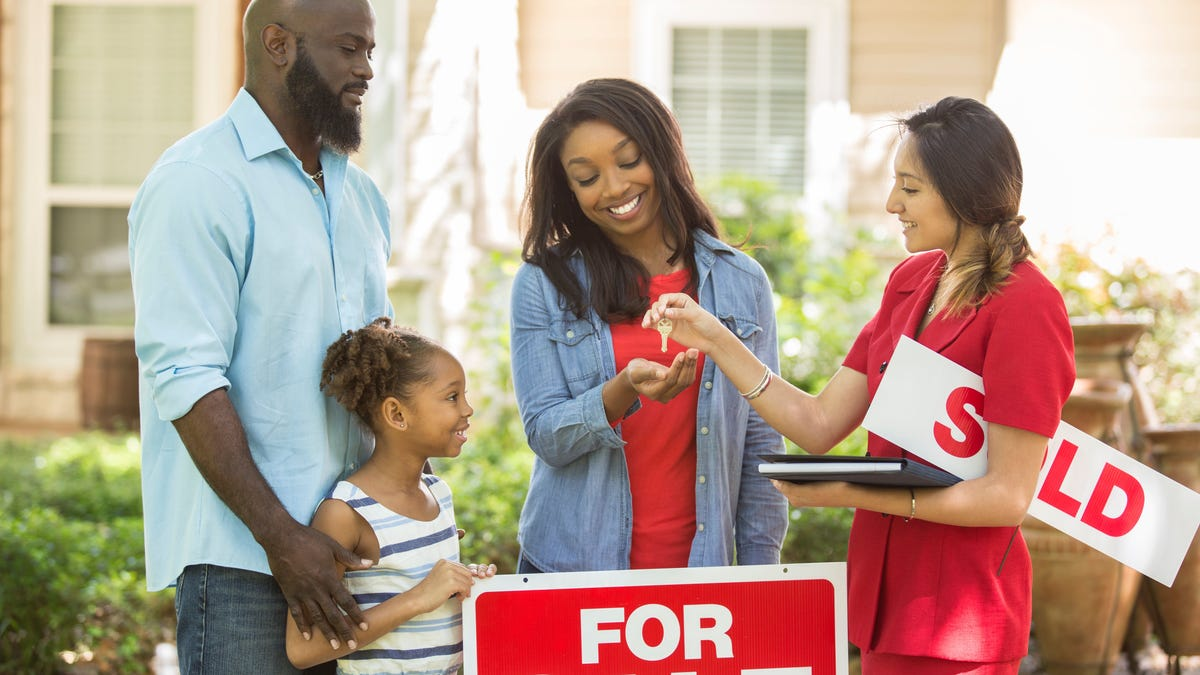 Late mortgage payments due to COVID-19 put Black homeownership in jeopardy, report finds